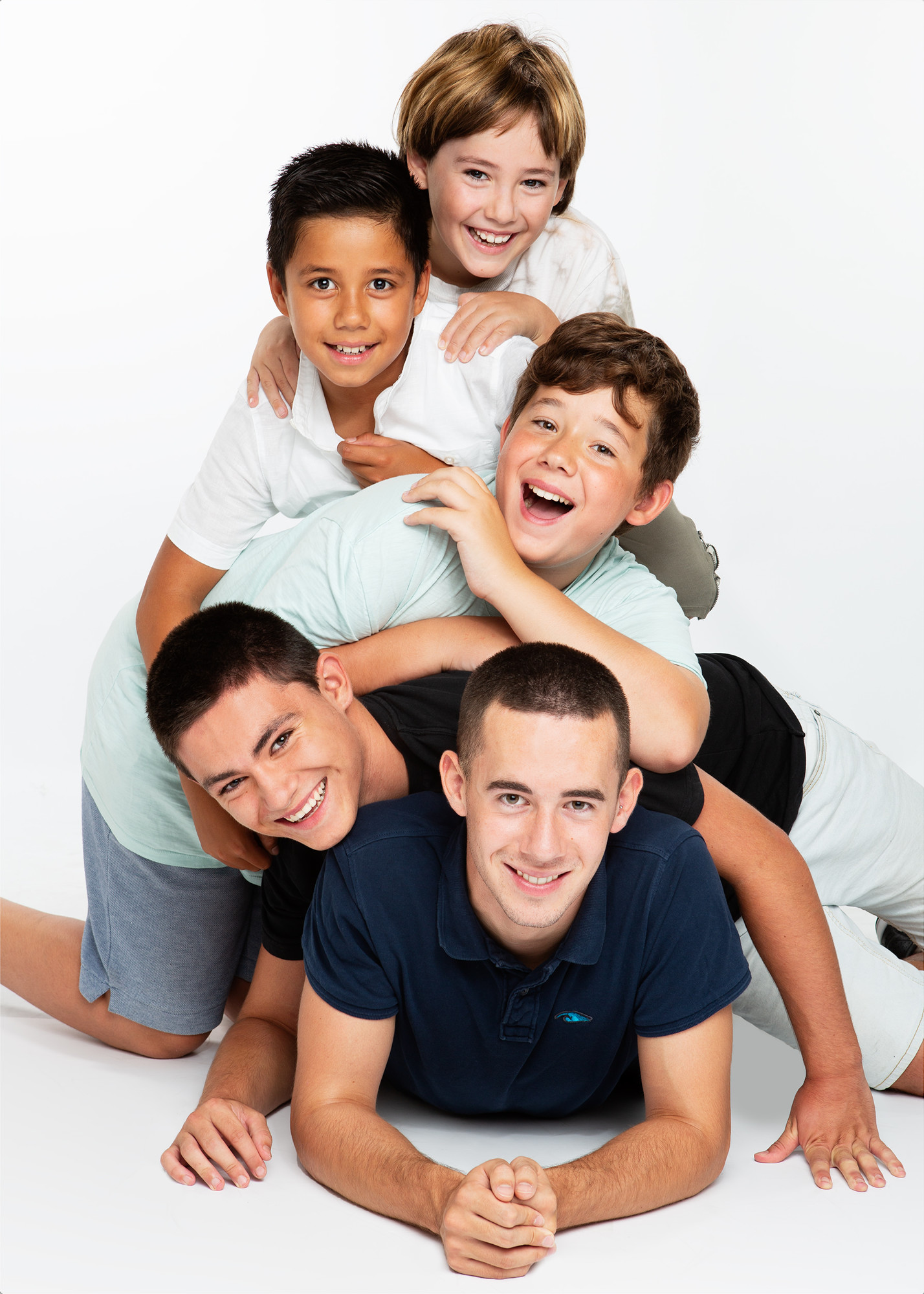 Family pictures with children in studio.